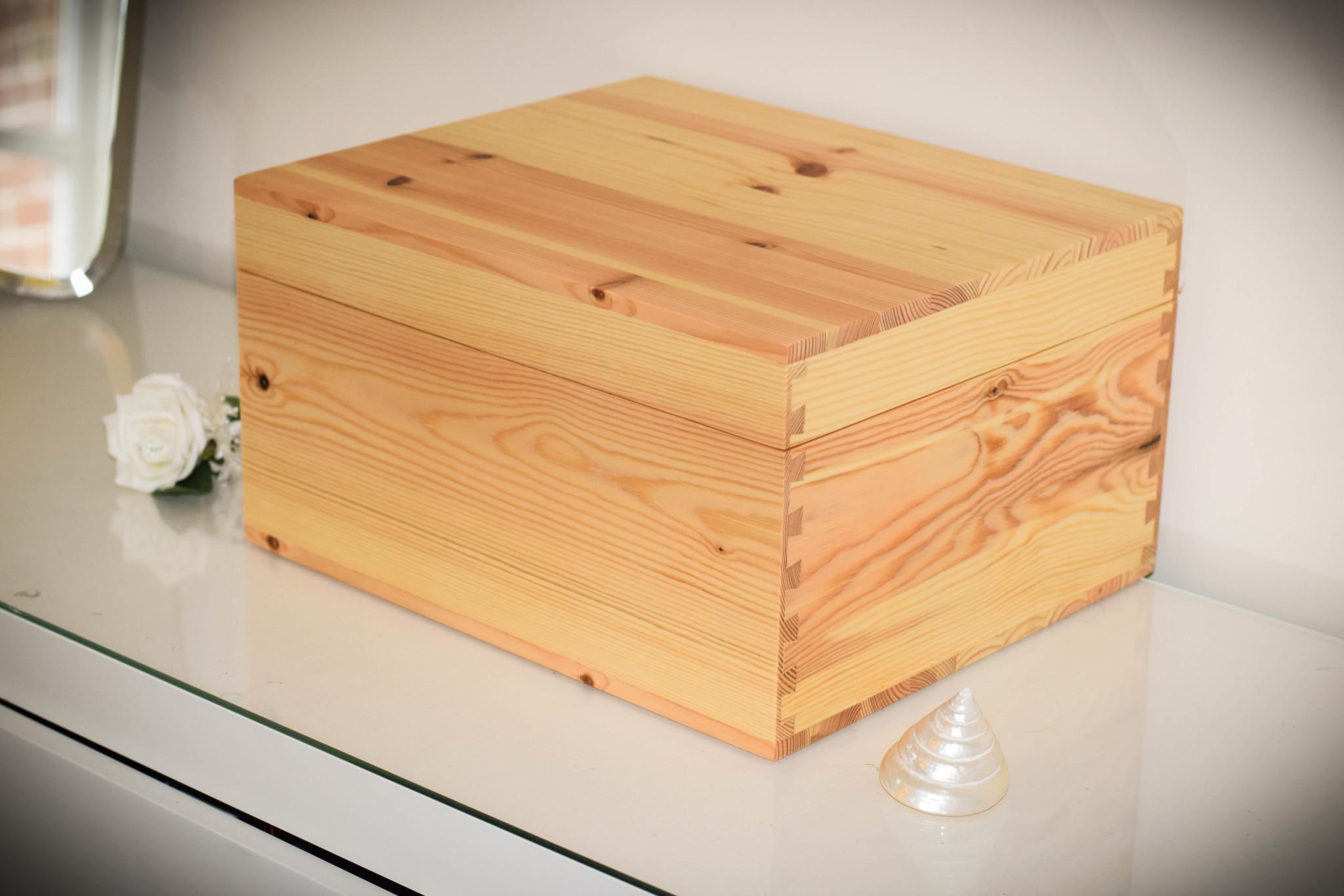 Pine box – dressing table2